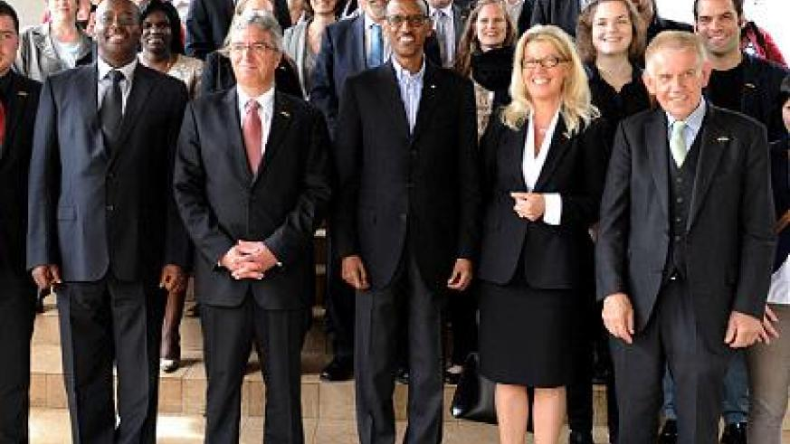 President Kagame with the delegation from Rhineland-Palatinate. The Sunday Times / Village Urugwiro.