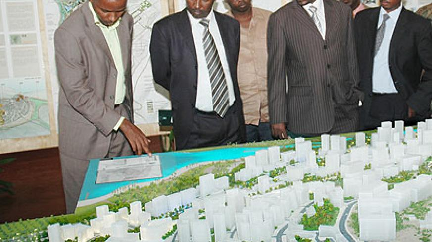 Officials inspect the Kigali City Master plan. The New Times/File.