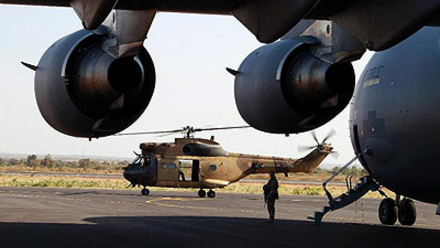 Malian soldiers drove out rebels using helicopters in Gao city. Net photo.