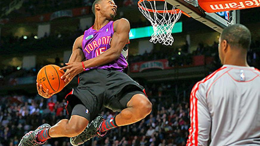 Toronto rookie Terrence Ross beat defending champion Jeremy Evans to win the slam-dunk contest. Net photo.