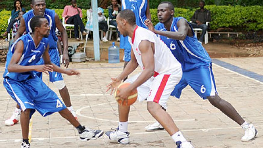 Rwanda Basketball Federation have confirmed that the battle for the playoffs title will start this weekend. The New Times /J. Mbanda.
