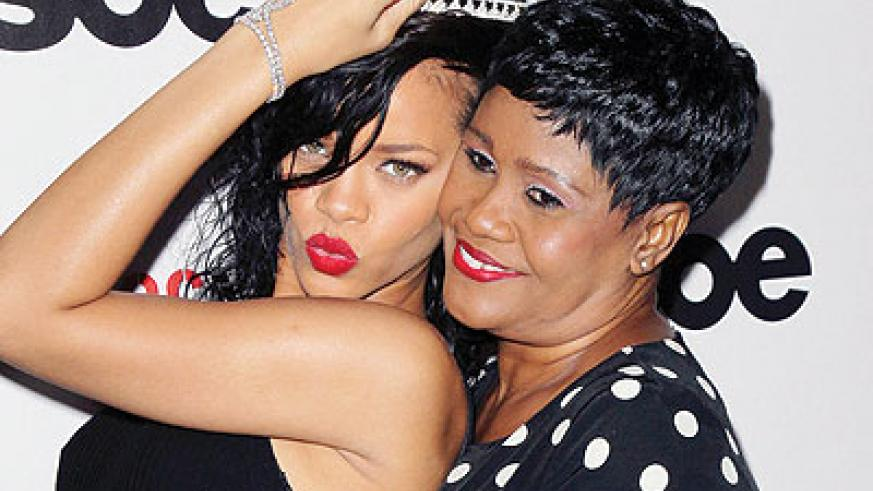 Rihanna in a photo with her mother Monica Braithwaite. Net photo.