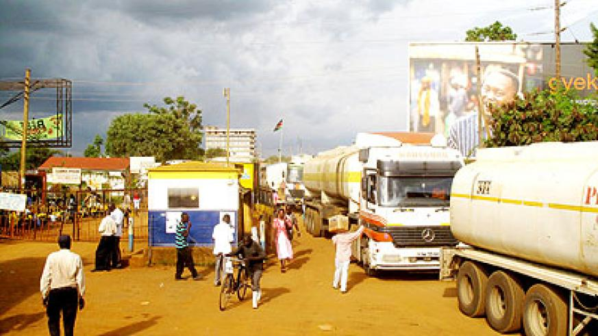 A busy Busia border point at the Uganda-Kenya border. Dr Sezibera told visiting Danish PM that the EAC integration will streamline border trade by lifting tariffs.   The New Times/ Net.