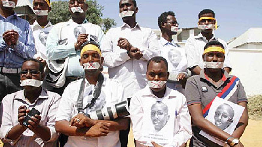 Somali journalists demostrate against the imprisonment of a journalist.  Net photo.