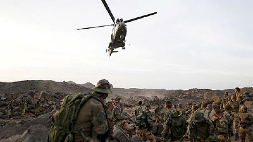 A helicopter arrived Sunday while French troops waited in the Adrar des Ifoghas mountains near Mali's border with Algeria. Net photo