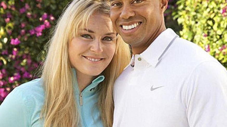 The pair posted pictures of themselves cuddling up together on Facebook in an effort to confirm the new relationship. Net photo.