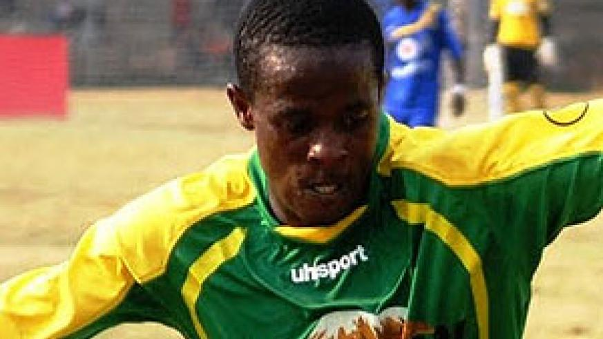 Haruna joined Yanga two years ago in a two-year deal worth US$30,000 as a signing on fee and a monthly salary of US$1500. Net photo.