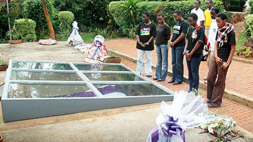 Young survivors pay tribute to Genocide victims.  The New Times / File.