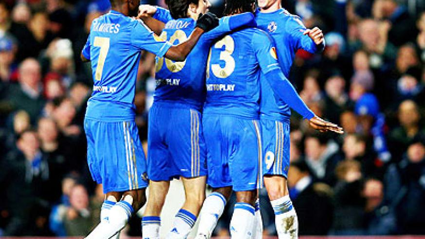 Torres celebrates his second goal with Chelsea team-mates. Net photo.