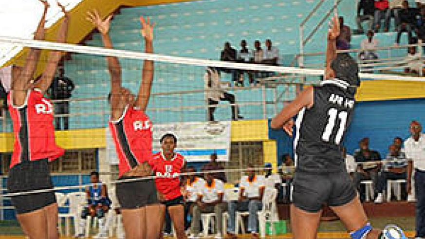 APR women volleyball team in action against RRA. The New Times / Peter Kamasa.