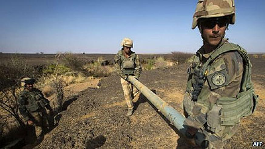 French troops have found 340 artillery shells and high-calibre rocket. Net photo.