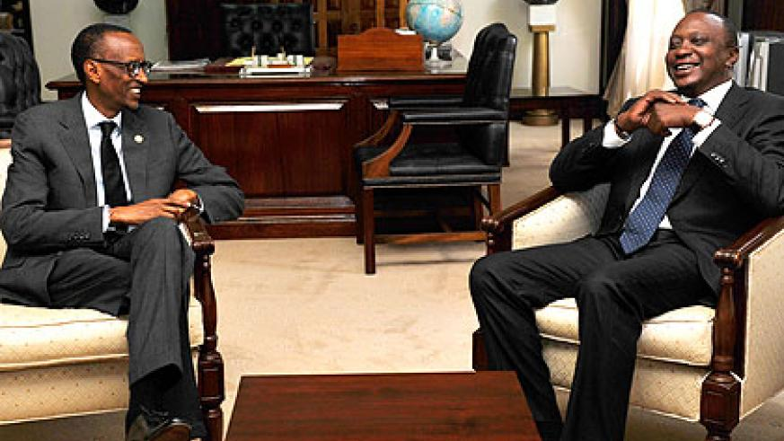 Presidents Paul Kagame (L) and Uhuru Kenyatta during their meeting at the State House in Nairobi yesterday. The New Times/Village Urugwiro.