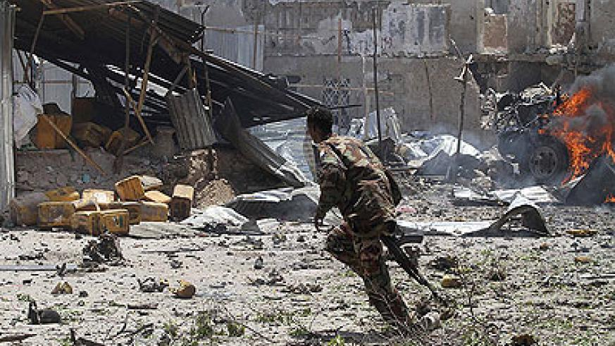 Somali army soldiers were quickly on the scene of Sunday's attack at a court in Mogadishu. Net photo.