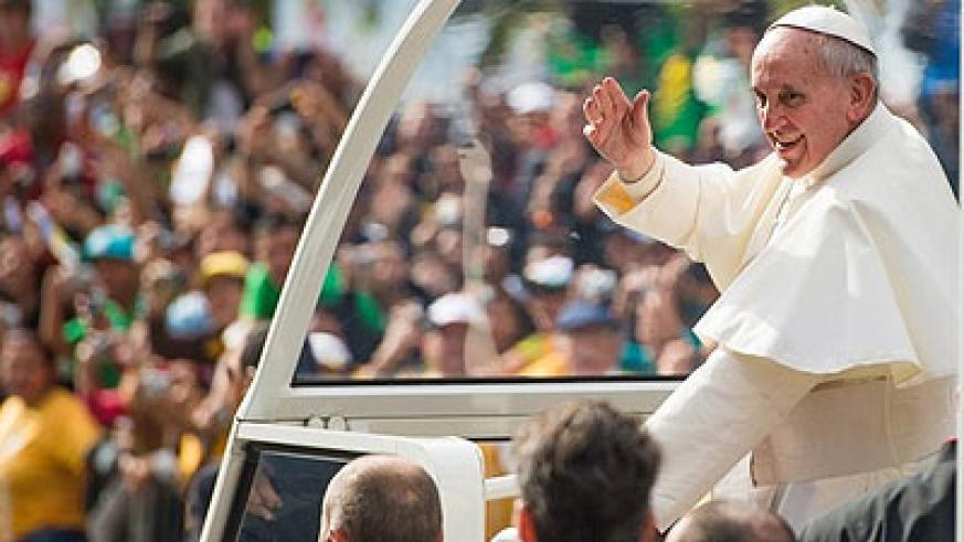 Pontiff addresses crowd of millions at Rio de Janeiro's Copacabana beach, urging them to continue to fight for change. Net photo.