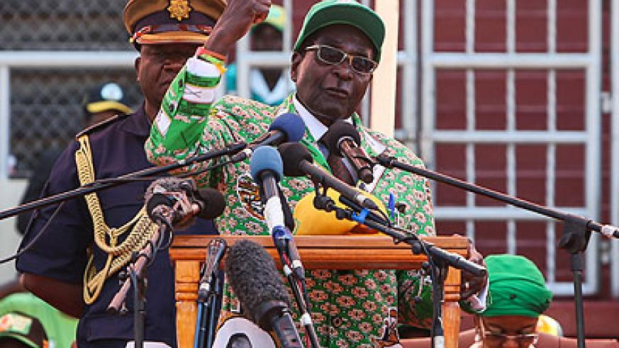 Zimbabwean President Robert Mugabe addresses a campaign rally at National Sports Stadium in Harare, capital of Zimbabwe, July 28, 2013.  (Xinhua/Meng Chenguang)