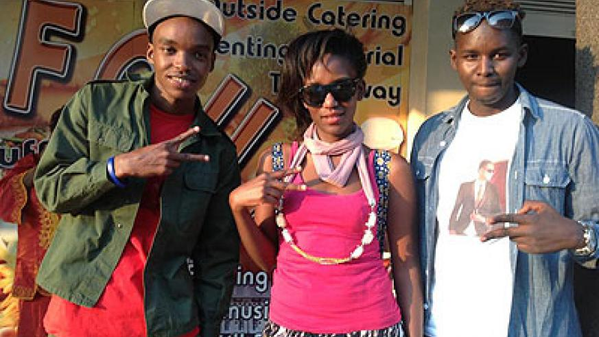 L-R: Singers, Danny Nanone, Jody and Khizz after the gig.