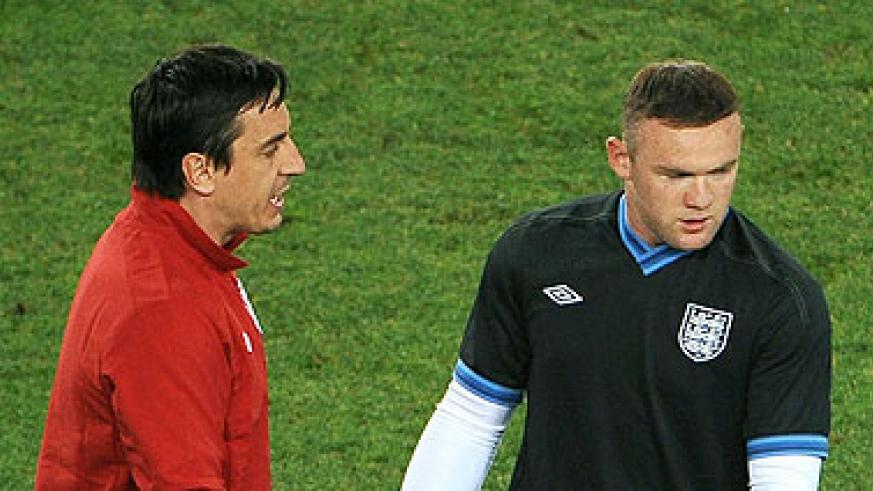 Gary Neville (left) backing Wayne Rooney to stay at Manchester United. Net photo.