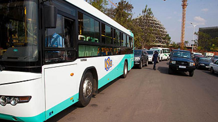 Contracted public transport companies were reportedly overwhelmed during peak hours yesterday while at the same time they blocked other operators. The New Times / T.Kisambira