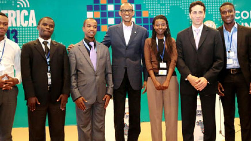 President Paul Kagame poses with the winners of the Transform Africa Continental Awards. The New Times/Village Urugwiro