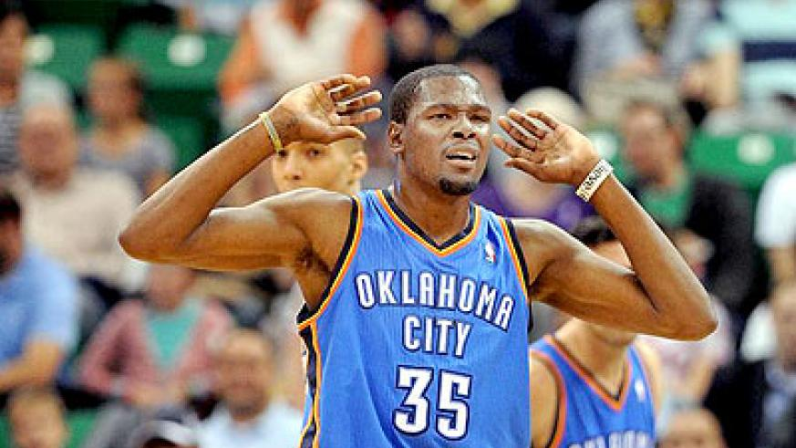 Kevin Durant scored 28 points and handed out eight assists to lead Thunders to a 105-91 win over the Clippers. Net photo