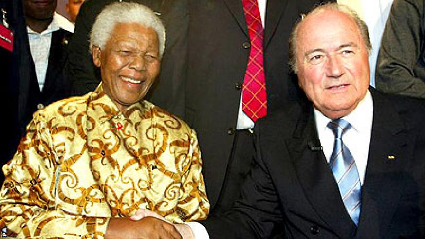 Fifa president Sepp Blatter has led the sporting tributes to his dear friend, South Africa's first black president Nelson Mandela, who has died aged 95. Net photo.