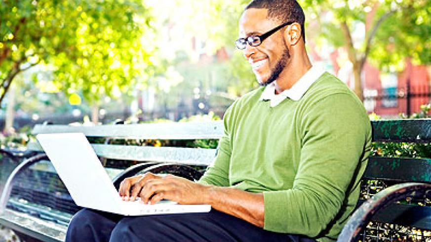 Sitting posture as well as heat from laptops can cause infertility in men. Net photo.