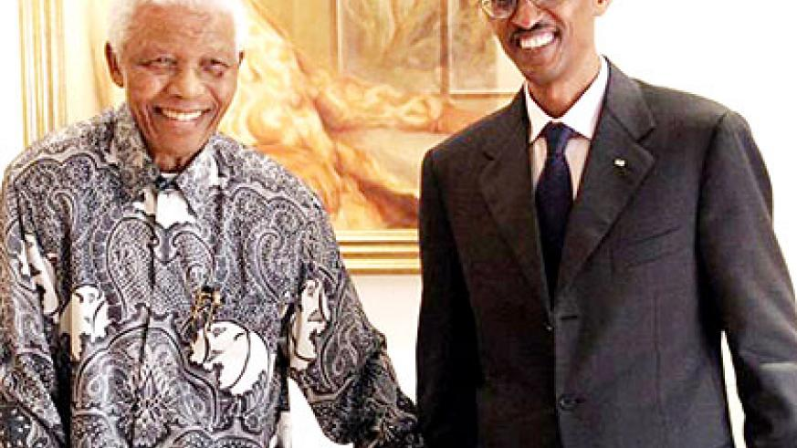 President Kagame meets Mandela in South Africa while on an official visit to the Rainbow Nation. The New Times/ File.