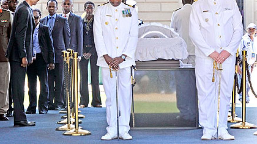 President Kagame pays last respects to Mandela at the Union Building in Pretoria yesterday.   The New Times/ Village Urugwiro.