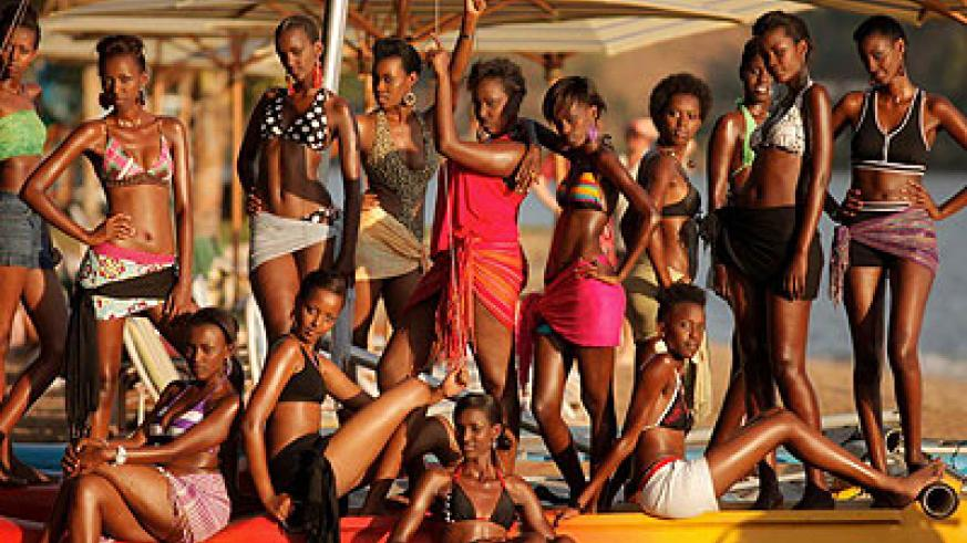 Miss Rwanda 2012 contestants pose for a group photo.