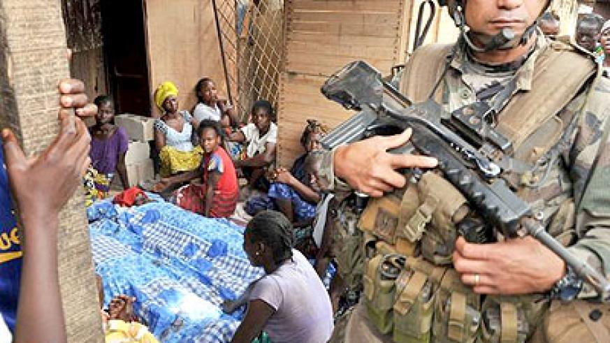 French peacekeepers continue to patrol Bangui as families mourn new victims of the inter-religious violence. Net photo