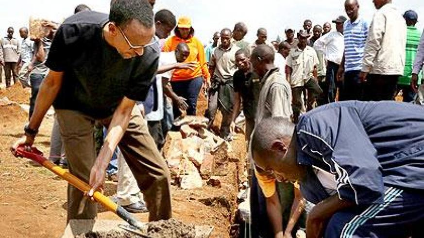 President Kagame helps build houses for the needy during the monthly Umuganda. Village Urugwiro