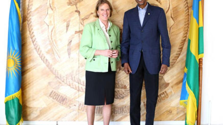 President Kagame poses with Elizabeth Littlefield at Village Urugwiro yesterday. Courtesy.