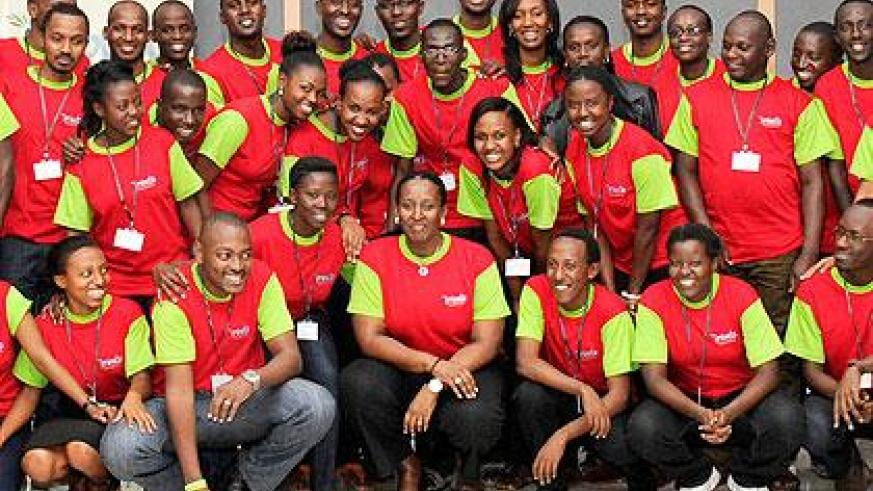 The First Lady, Jeannette Kagame (C) with participants at the Imbuto Foundation Youth Forum Series on Financial Fitness. (Village Urugwiro)