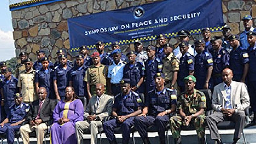 National Police College students in a group photo.  J. d'Amour Mbonyinshuti.