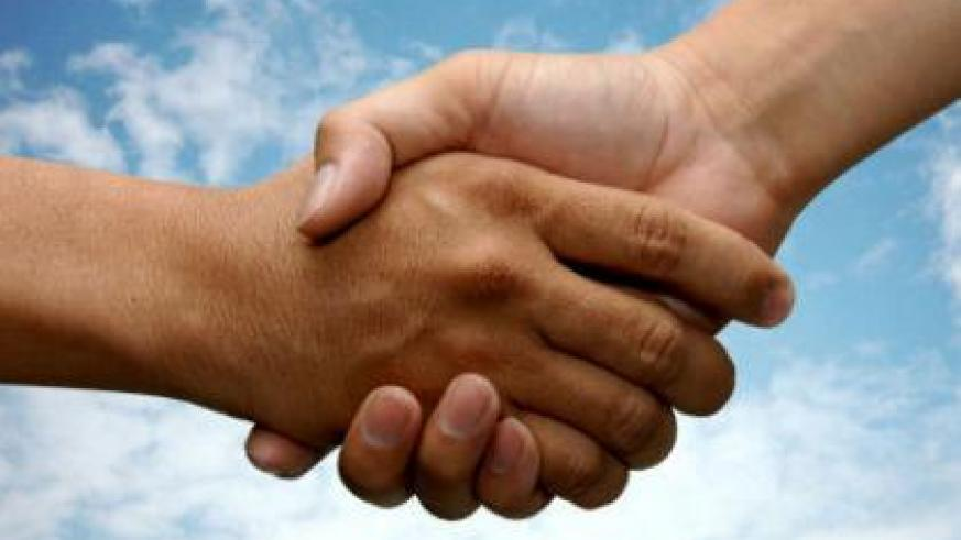 Shaking hands, according to research carried out recently, can lead to bacterial infections. (Internet photo)