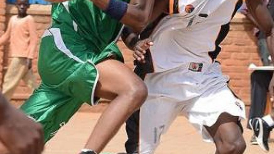 Espoir's forward Lionel Hakizimana, seen here with the ball against APR in a previous game, led his team to a 109-92 win over Rusizi on Sunday. File