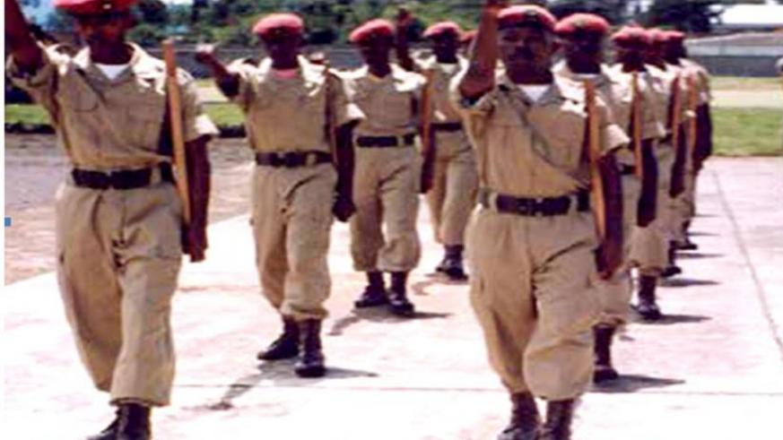 Gendarmerie officers during drills, EGENA, 1996. (Source: RNP archives)