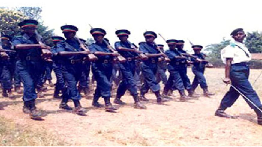 Communal Police recruits training at PTS Gishari in 1997. (Source: RNP archives)