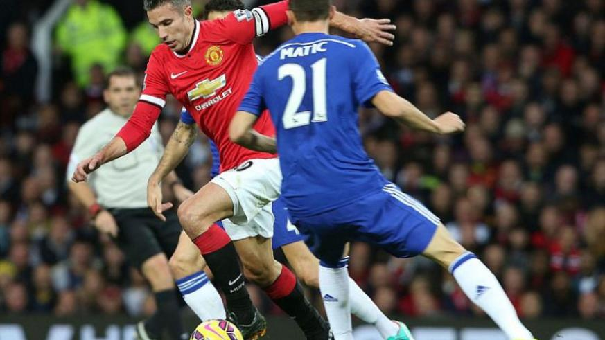 Robin van Persie continued on his own up front in the absence of the suspended Wayne Rooney and injured Radamel Falcao. (Internet photo)