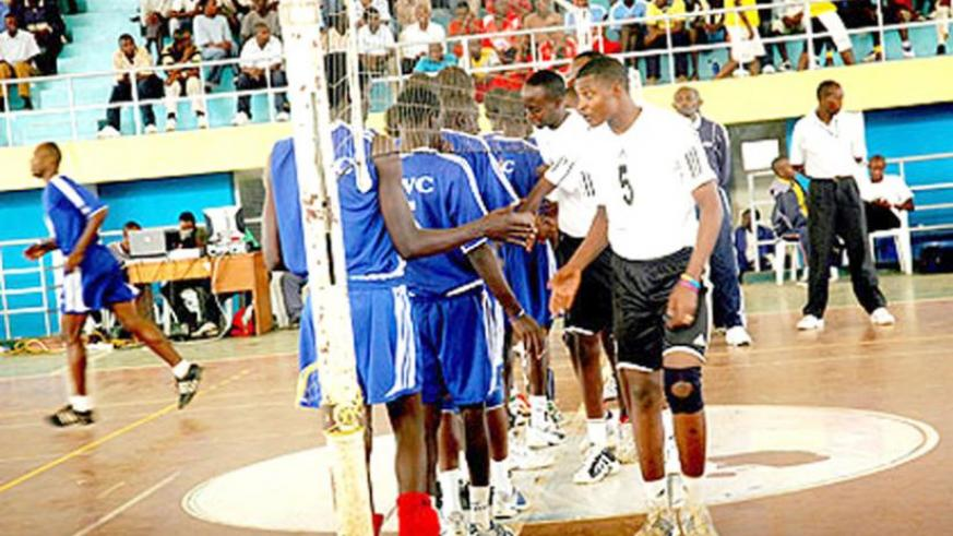 Mathieu Rwanyonga (#5) getting ready for action against KVC in a league game at Amahoro indoor stadium. (File photo)