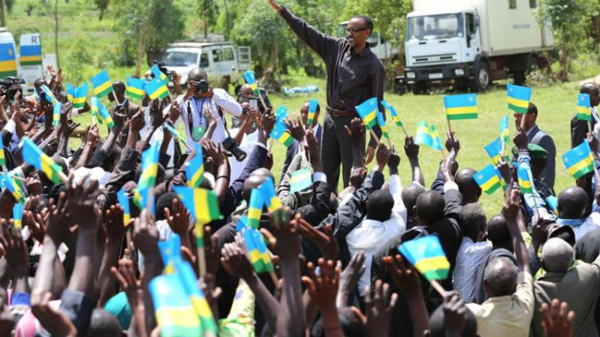 President Kagame is welcomed to Rwendenzi grounds in Gatunda, Nyagatare on the first leg of his tour of the Eastern Province yesterday. (Village Urugwiro)