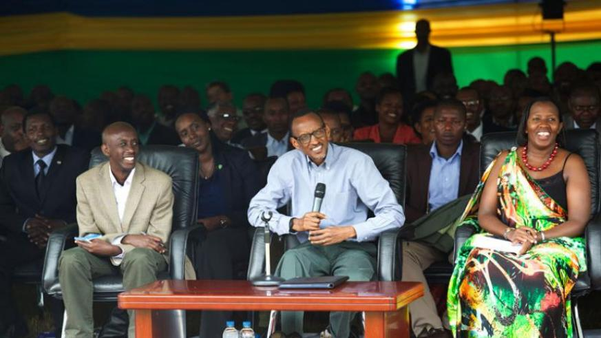President Kagame, flanked by Local Government minister Francis Kaboneka (L) and Eastern Province governor Odette Uwamaliya, speaks during his visit to Kirehe District yesterday. (Village Urugwiro)