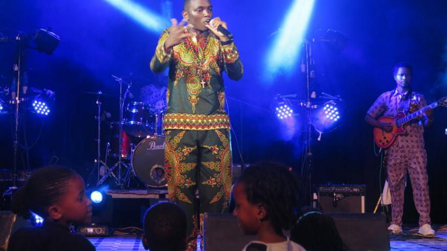 Thomas Muyombo unveils his two albums Ihogora and Isi to his fans.