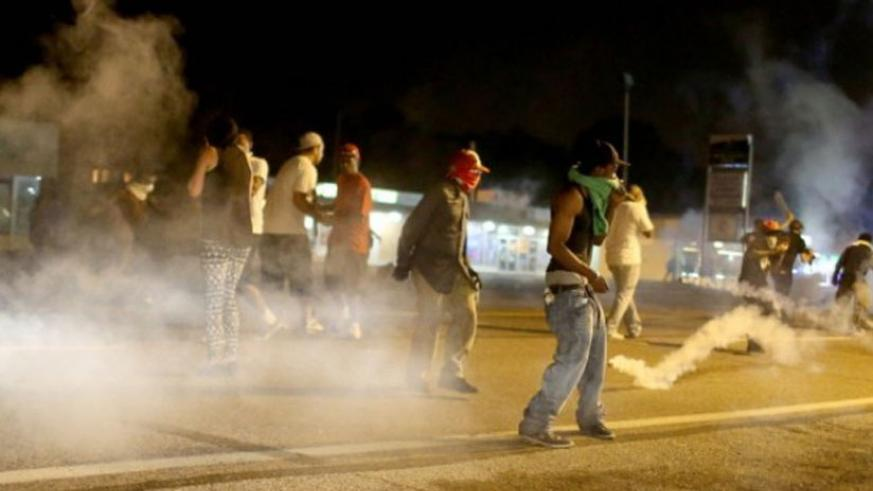 Protests have rocked US cities over repeated killing of black youths by policemen. (Net)