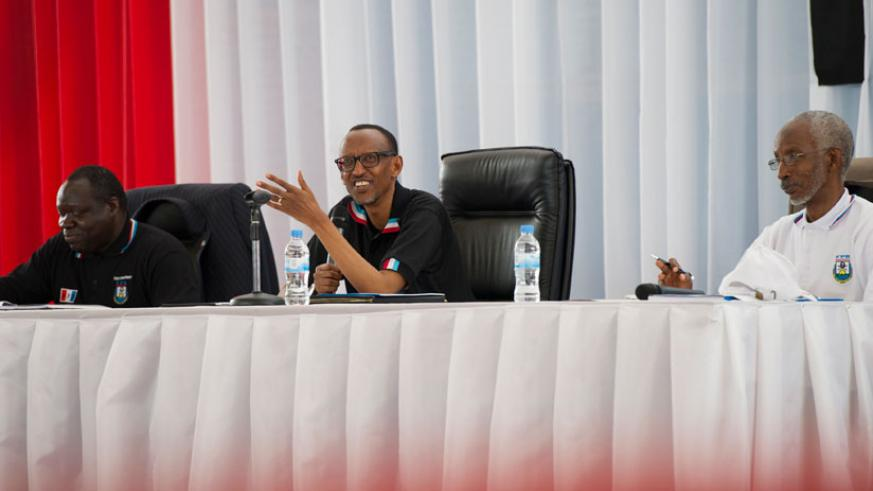 President Kagame together with Christophe Bazivamo (L) and Francois Ngarambe during RPF Political Bureau meeting yesterday in Kigali. (Village Urugwiro)