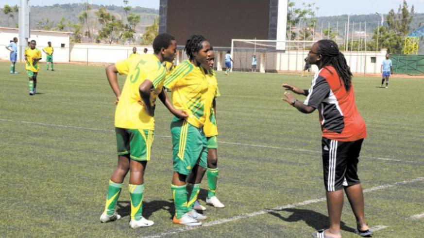 AS Kigali coach Grace Nyinawumuntu gives instructions to her players during a league game last season. (File)