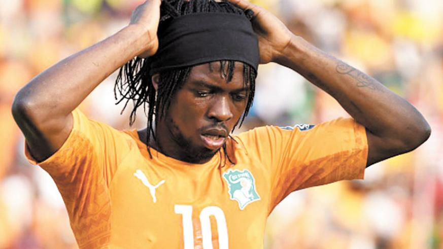 Gervinho was sent off in the second half against Guinea which rules him out of the next two group matches. (Internet photo)