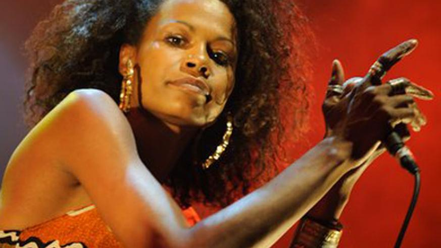 Thais Diarra during one of her music performances. (Net)