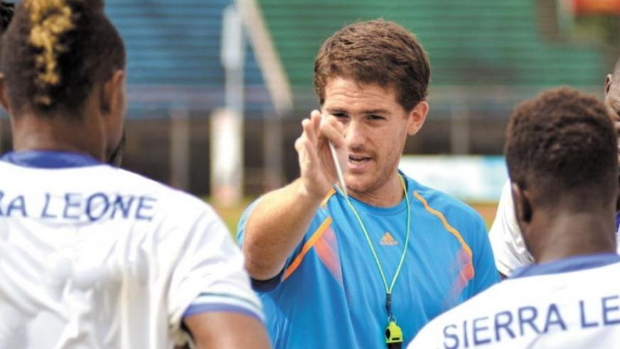 Former Sierra Leone coach Johnny McKinstry (C) is among those that have applied for the Amavubi job. (Net photo)