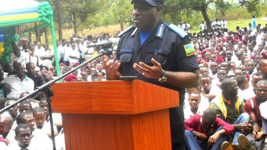 IGP Emmanuel Gasana addresses the youth in Kirehe District. (Stephen Rwembeho)